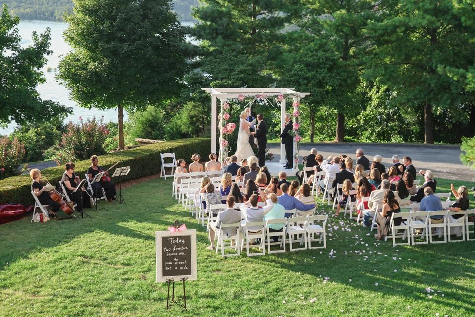 Chateau on the Lake Wedding Photographer - Branson Missouri - Tiffany Kelley Photography_0010