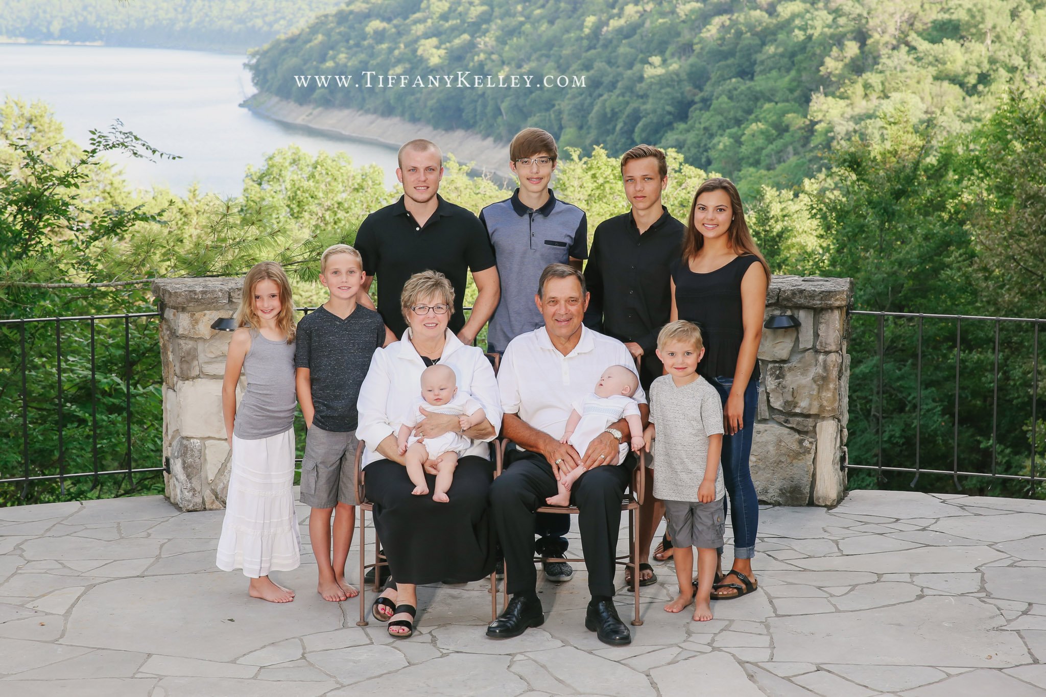 Lake house family session branson mo family for 417 salon branson west