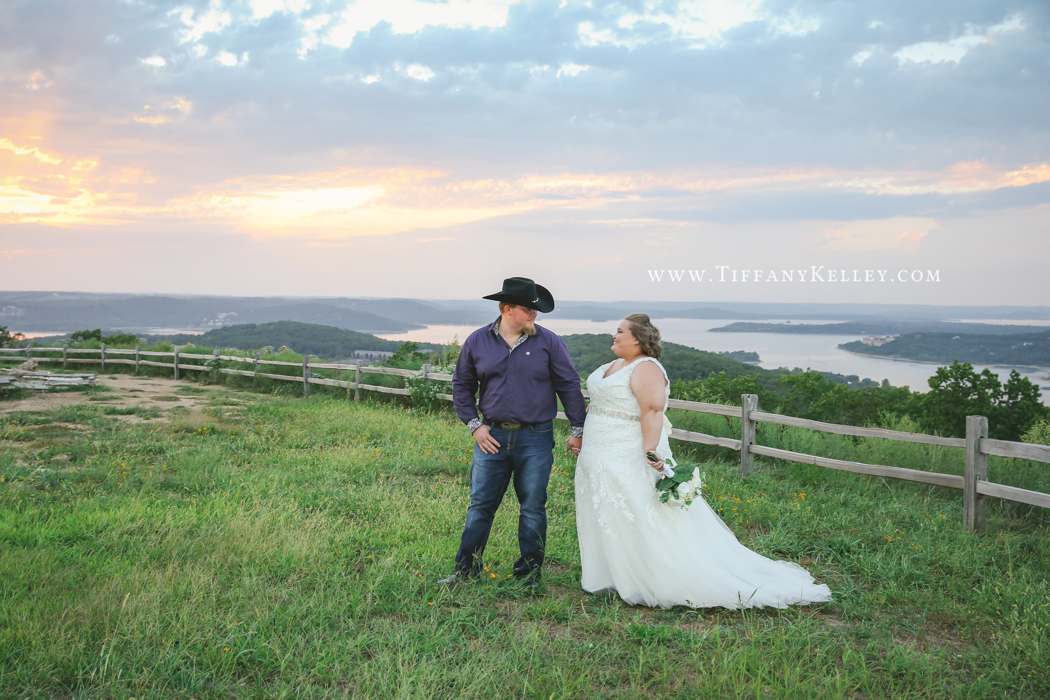 Branson Missouri Cedar Lodge Wedding Photographer Tiffany