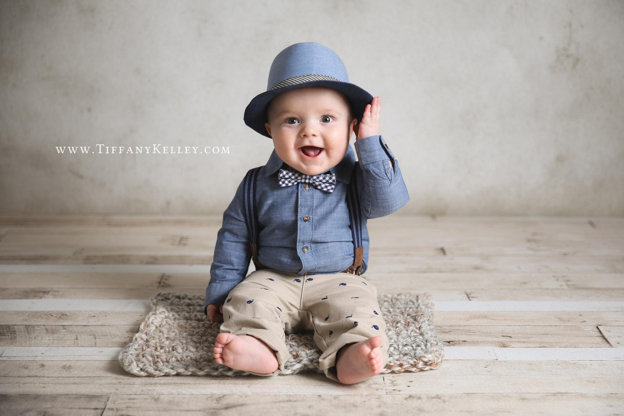 Cole 6-Months Branson Springfield MO Newborn Photographer - Tiffany Kelley Photography